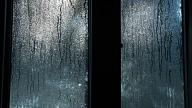 Kā rīkoties, ja regulāri aizsvīst telpas logi?