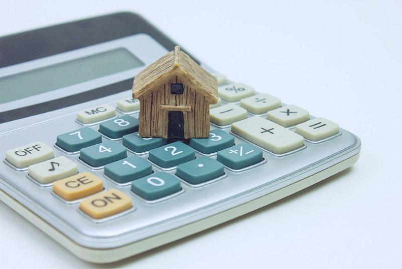 Aptauja:Piektdaļai Latvijas ģimeņu šobrīd būtu pieejama pirmā iemaksa jauna mājokļa iegādei
