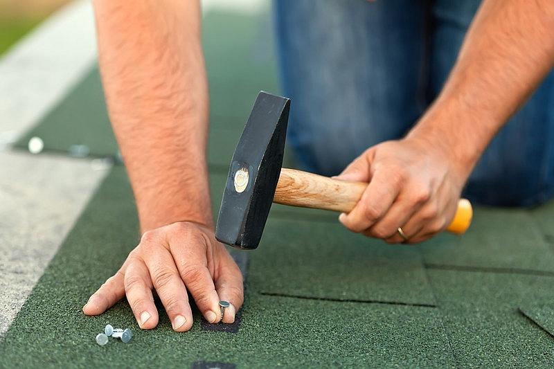 Kā parūpēties par savu drošību jumta montāžas vai remontdarbu laikā?