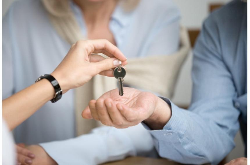 Kas jāņem vērā, iegādājoties mājokli nereģistrētās attiecībās? Iesaka eksperts