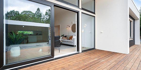 Kas ir jāzina, iegādājoties PVC logus un durvis?