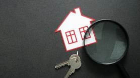 Iedzīvotāju interese aug, bet dzīvojamais fonds neapmierinošs: Cik prātīgi iegādāties dzīvokli tieši tagad?