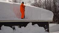 Jumtu tīrīšana no sniega prasa zināšanas un atbildīgu pieeju
