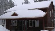 Sniega tīrīšana no jumtiem – pašu un apkārtējo drošībai